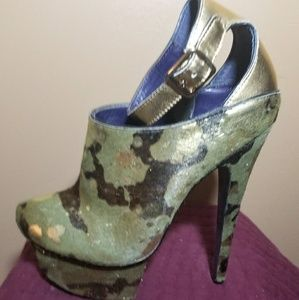 London Trash Camo platform size 9